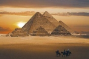 Кто и зачем строил пирамиды?