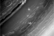 И снова шторм на Сатурне..