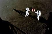 Американцев атаковали на Луне?